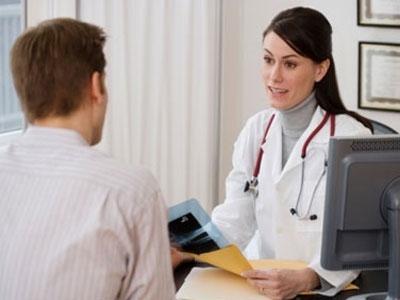 Tham khảo ý kiến bác sĩ trước khi dùng thuốc bôi trĩ