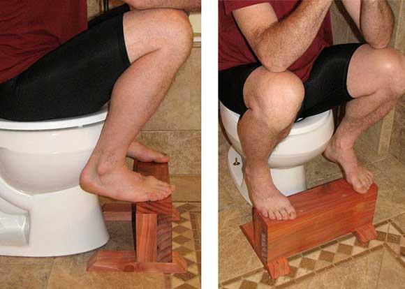 Hãy đặt một chiếc ghế nhỏ dưới chân khi đi vệ sinh nếu là bồn cầu bệt