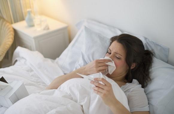 Sốt, cơ thể mệt mỏi, ớn lạnh,... triệu chứng bệnh áp xe hậu môn