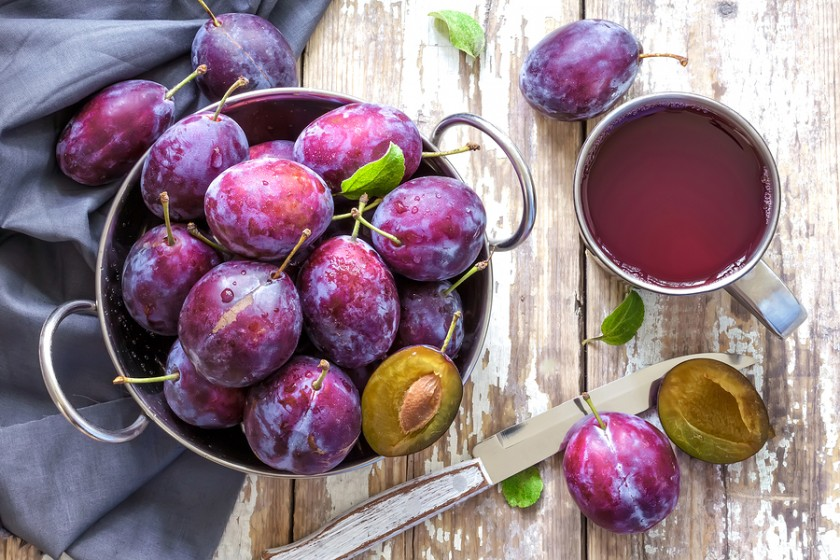 Mận - loại quả giúp bạn xóa tan nỗi lo đi cầu ra máu