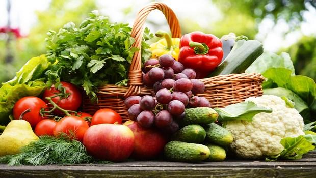 Chế độ ăn uống hợp lý với nhiều thực phẩm giàu chất xơ cũng là cách để ngăn chặn bệnh trĩ