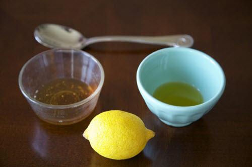 Mật ong kết hợp cùng chanh tươi chữa táo bón dễ dàng