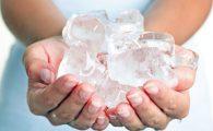 Những viên đá lạnh có thể giúp bạn làm dịu cơn đau rát hậu môn