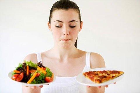 Chế độ ăn uống bất hợp lý gây nên bệnh táo bón
