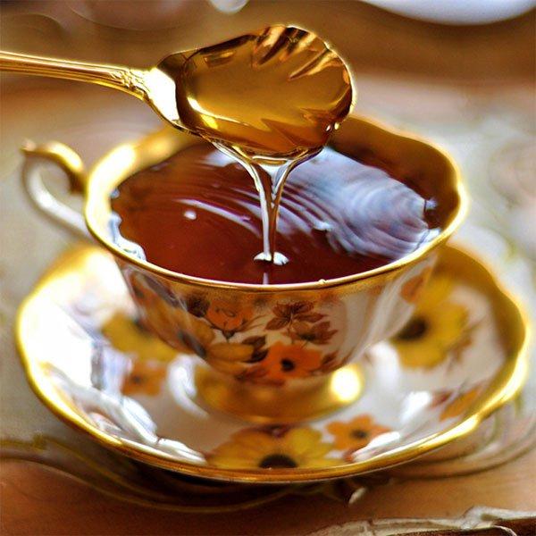 Dùng mật ong giúp đi tiêu dễ dàng hơn