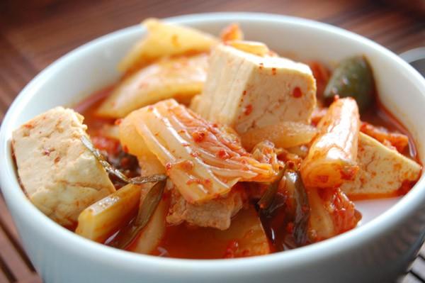 Sau khi cắt trĩ nên kiêng đồ ăn cay nóng