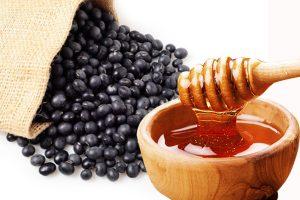 Món đậu đen ninh mật ong giúp việc đại tiện dễ dàng hơn