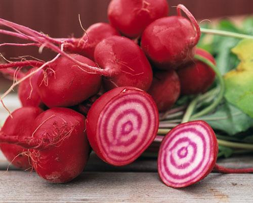 Thức ăn có thể là nguyên nhân khiến phân trẻ có màu đỏ như máu