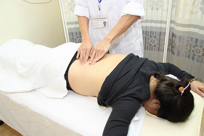 Chữa bệnh trĩ bằng phương pháp bấm huyệt cần thực hiện đúng kỹ thuật