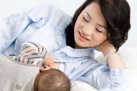 Sau sinh bị đi ngoài ra máu hãy nghĩ nhiều hơn đến bệnh trĩ