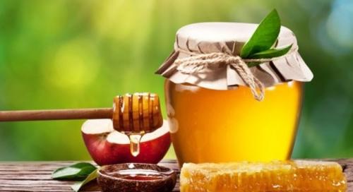 Mật ong - bí quyết chữa táo bón nhanh cho con nhỏ