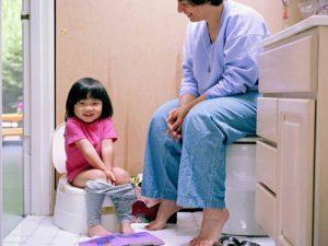 Chính những thói quen xấu khiến trẻ nhỏ mắc bệnh trĩ