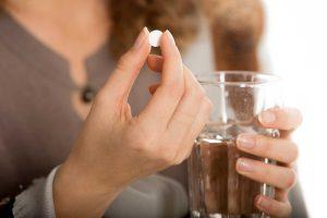 Thuốc nào chữa đi ngoài ra máu tươi hiệu quả?