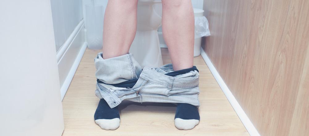 Bị bệnh trĩ nhưng không đau không chảy máu nên tạo thói quen đi vệ sinh đúng cách