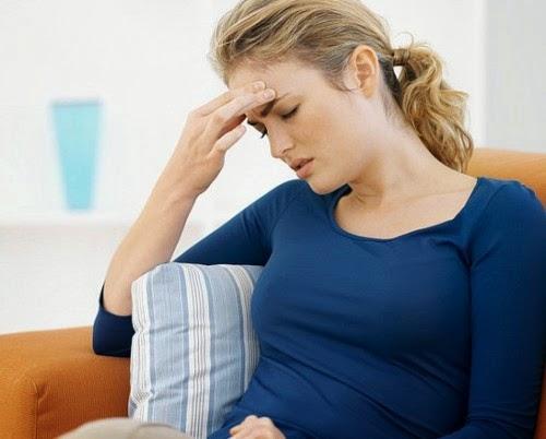 Bà bầu bị trĩ khi mang thai rất dễ bị thiếu máu gây mệt mỏi trong người