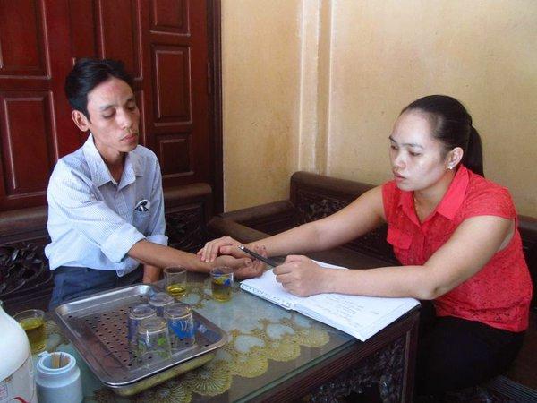 Lương y Nguyễn Thị Hiền chữa bệnh trĩ