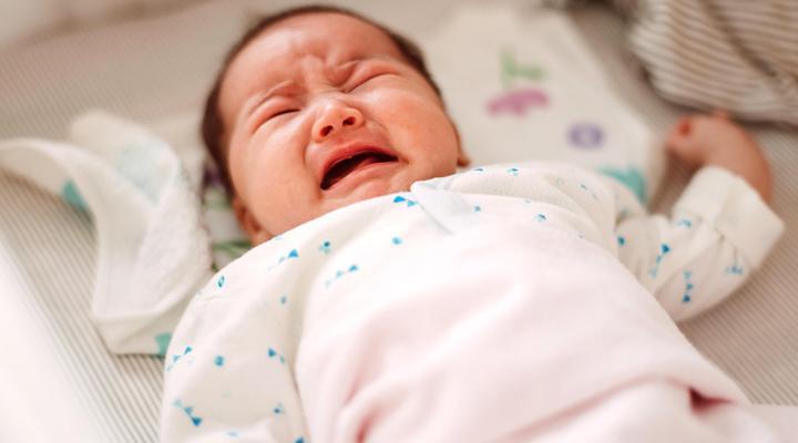 trẻ sơ sinh dưới 1 tháng tuổi bị táo bón